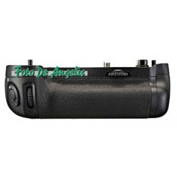 Nikon MB-D16 Battery Pack...